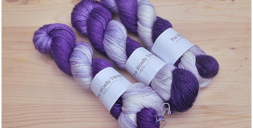 Clematis semi solid - merino silk yarn