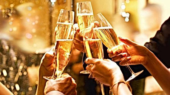 Champagne-cheers-800x450.jpg