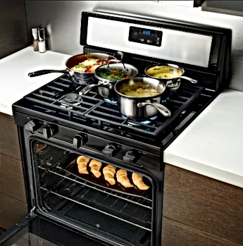Whirlpool Range in Kitchen pic.png