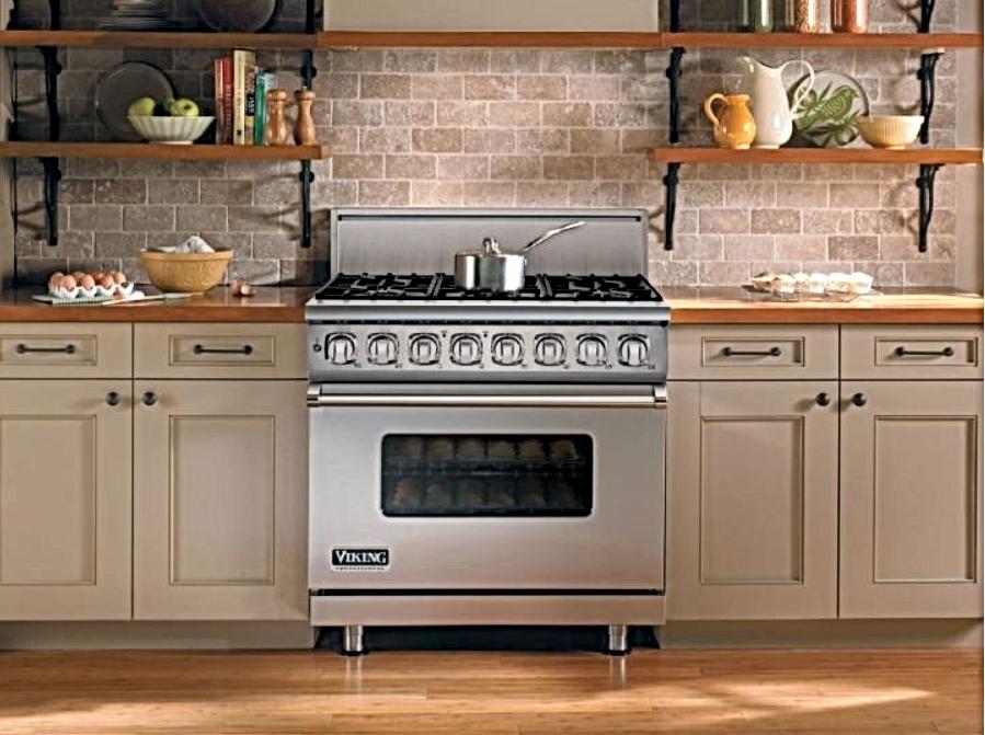 7 Series Range Kitchen.png