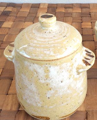Potinho de cerâmica com tampa