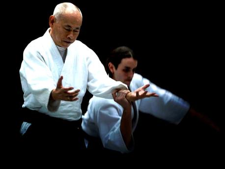 Katsutoshi Kurata Shihan promovido a 8vo Dan en el Kagami-Biraki 2019.