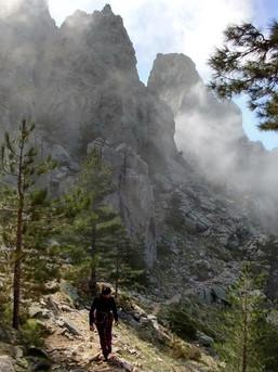 Bergsteigen kann man auch auf Korsika