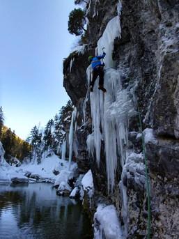 Klettern in der Unterwelt - Mixedklettern mit Bergführer