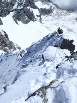 Abstieg vom Obergabelhorn bei viel Schnee