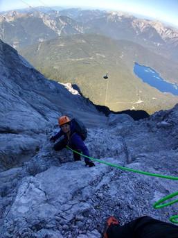 Leichtes Klettergelände in der Eisenzeit - Zugspitze