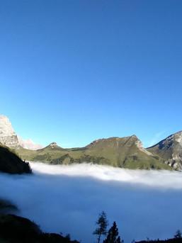 Immer etwas Besonderes - über den Wolken im Karwendel / Großer Ahornboden