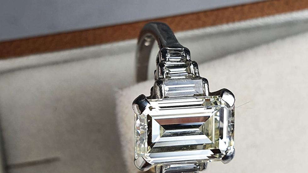 Vintage Deco Design 2.81 Carat Emerald Cut Diamond & Platinum Ring