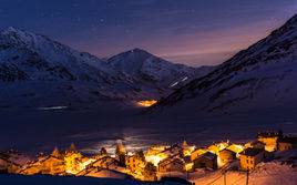 Montespluga by night