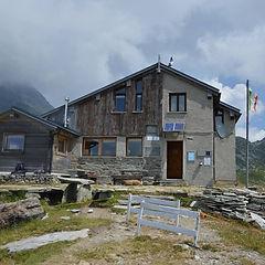 Rifugio Bertacchi.jpg