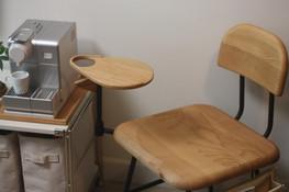 Tetsuya_Kinoshita_with_coffee_table.JPG.JPG