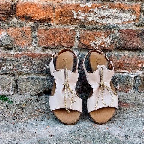 VENEZIA MET CAMEO sandaler