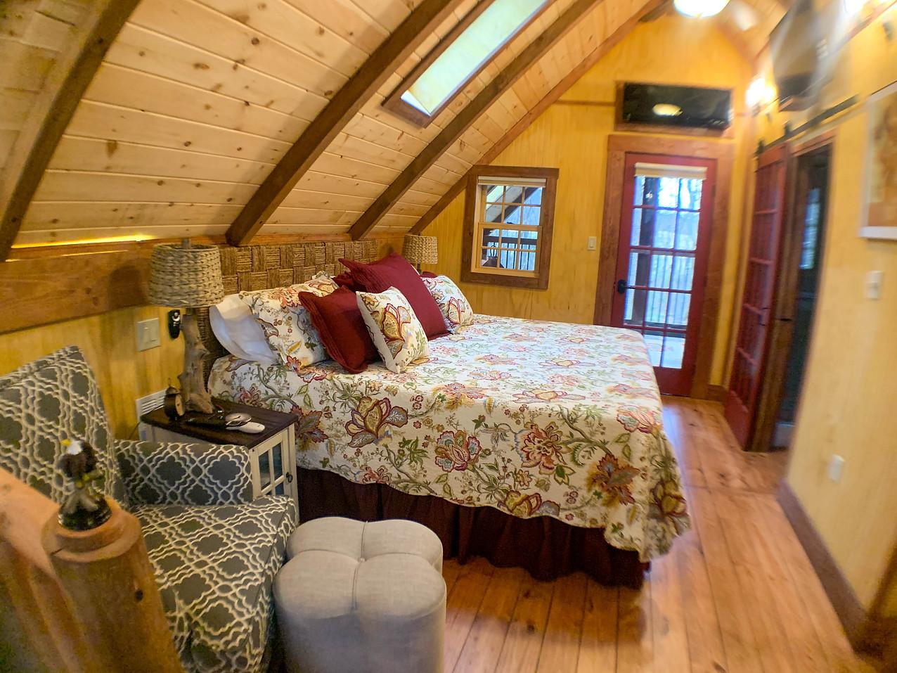 Eagles Nest King Bed