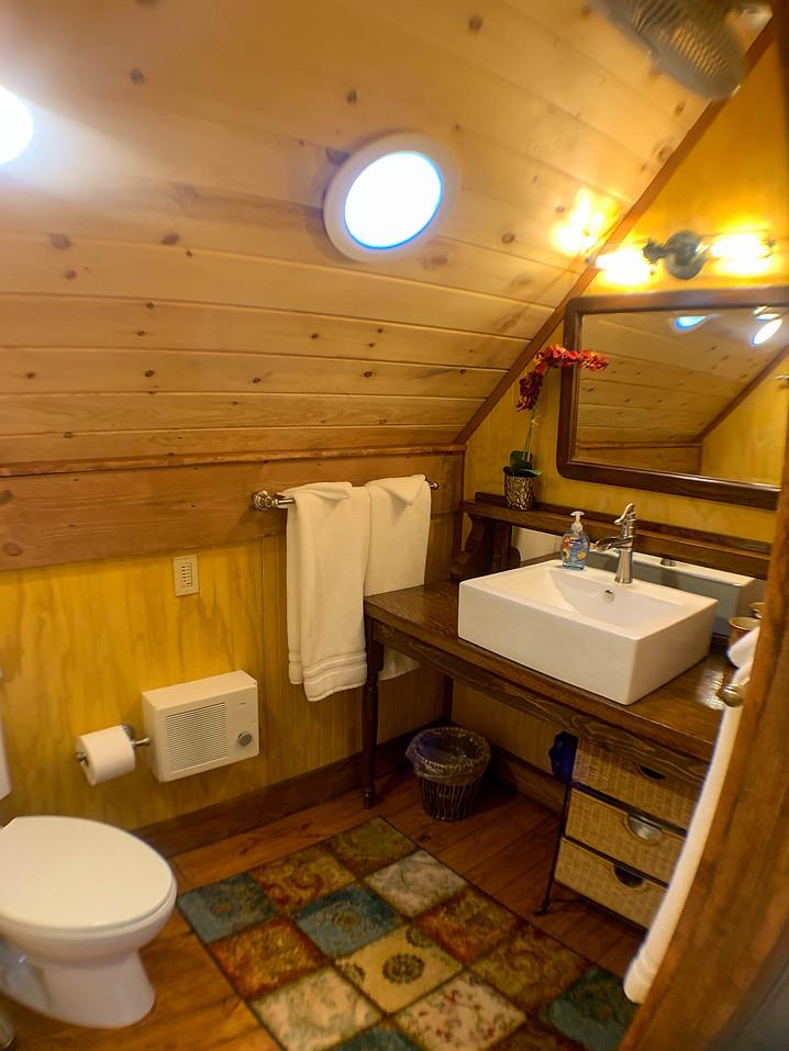 Eagles Nest Upstairs Bathroom