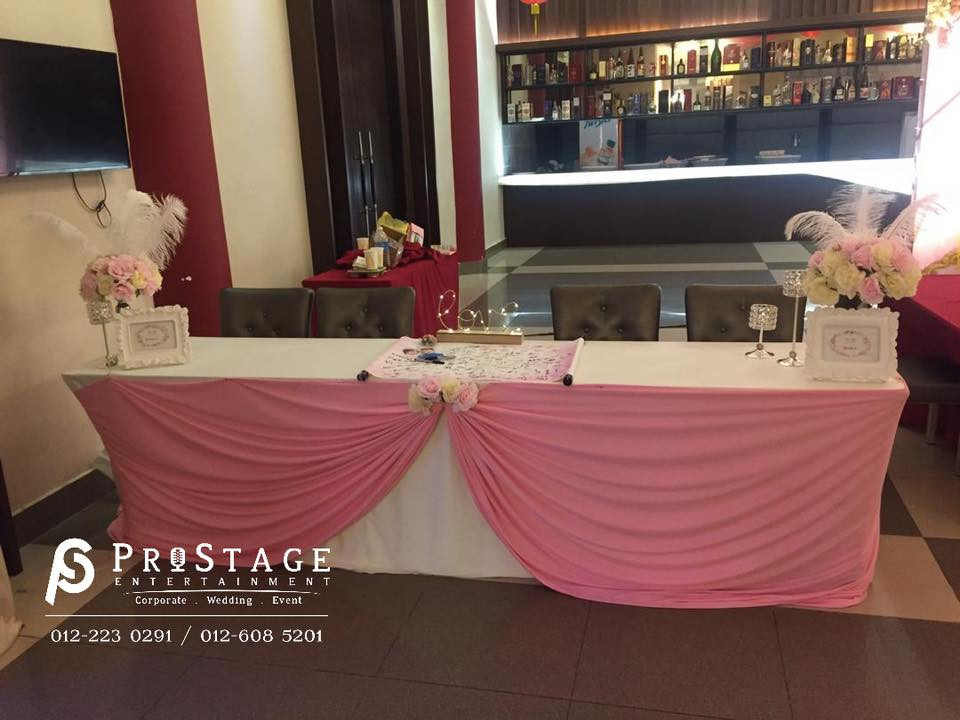 pink color reception table