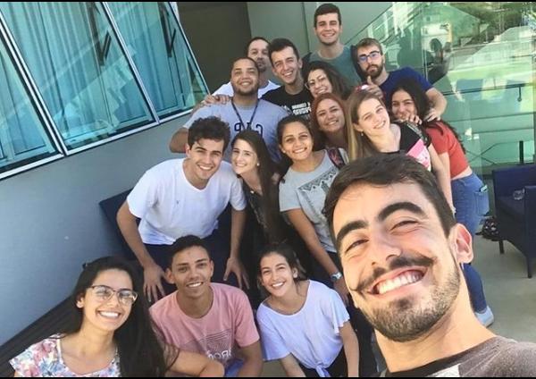 encontro de estudantes de medicina na faculdade