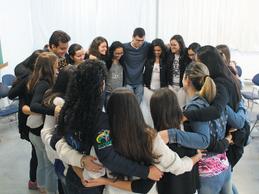 Acadêmicos criam grupo de orações no campus