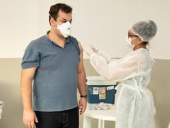 Suprema sedia vacinação de profissionais da educação de Três Rios