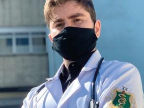 Residente enfrenta desafios da pandemia e comemora alta 2000 no Hospital Santa Marcelina