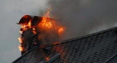 tiro chimenea ardiendo