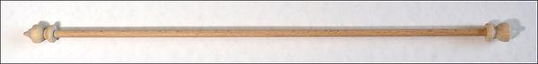 barre en bois, wooden hanger, Holzstab zum Aufhaengen