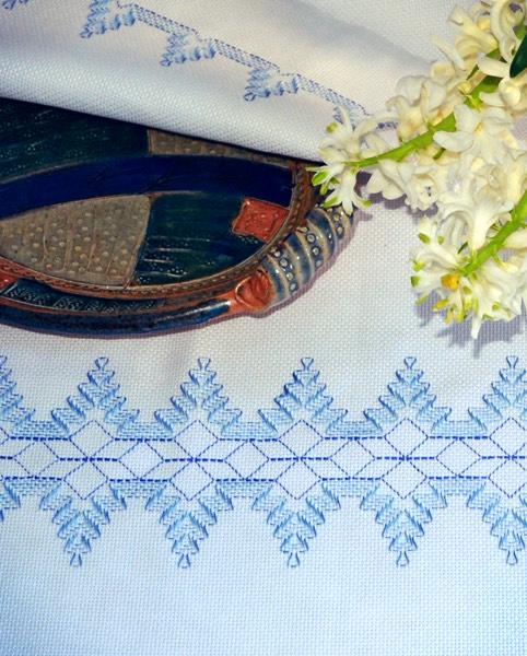 Torchon au aida/ tea-cloth of aida /