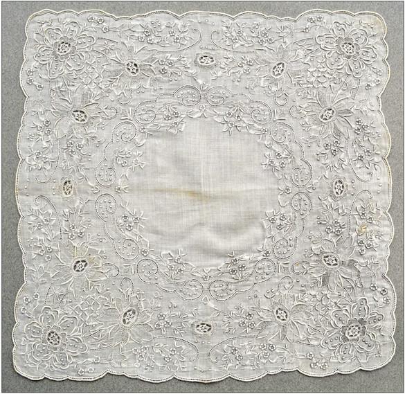 Appenzeller Taschentuch ausgestickt