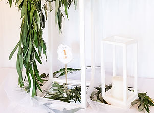 stojan na kvety biely.jpg