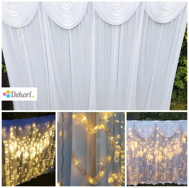 Svetelná stena sa využíva za hlavný stôl svadobčanov, alebo na prekrytia nevyhovujúcich časti interiéru. Ponúkame veľkosť steny v rozmeroch 3 x 3 m a 6 x 3 m. Ponúkame veľkosť steny v rozmeroch 3 x 3 m a 6 x 3 m.