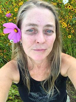 me in da flowers.jpg