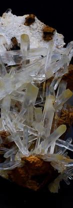 REF38  CLEAR MANGO QUARTZ CRYSTAL -  SOLD