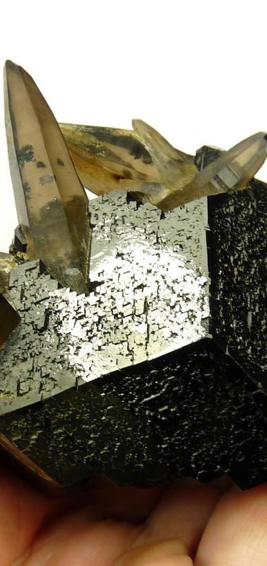 REF-37  Schorl, quartz   US $ 185