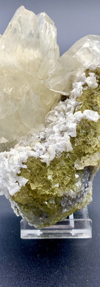 REF37  CRYSTAL OF CALCITE ON FLUORITE AND DOLOMITE –  129€