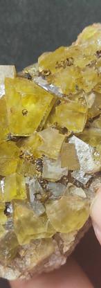 REF10  Yellow Fluorite sidérite and goethite -  70€