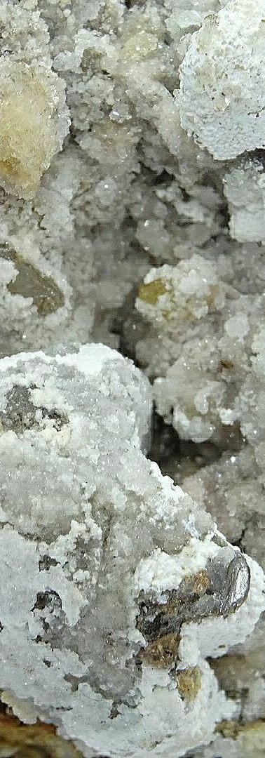 REF30 Cerussite, Calcite and Wulfenite (75€ + shipping cost)