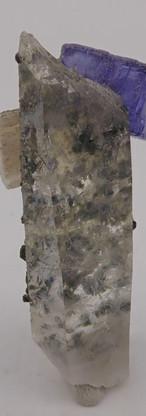 REF07-  Fluorite, Fluorapatite and Quartz-  160€