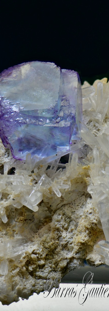 REF18   Fluorite on Quartz   140€