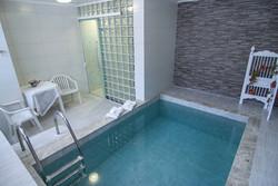 Chalé com piscina Lobinho
