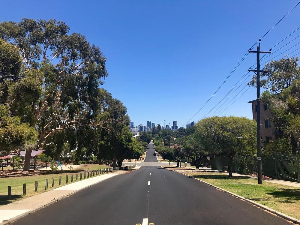 Blick auf Perth, Wohnen in Perth, Strassen in Perth