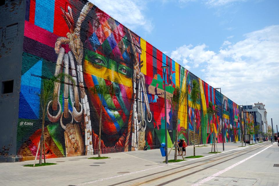 Das größte Graffiti der Welt in Rio de Janeiro