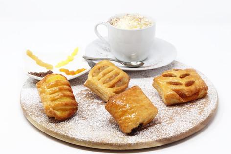 Midi assortment (cream, chocolate, apricot, apple)