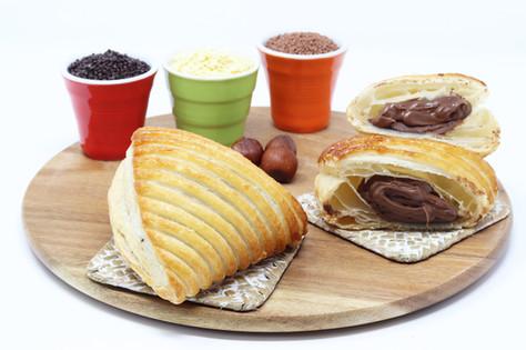 Shield with hazelnut cream