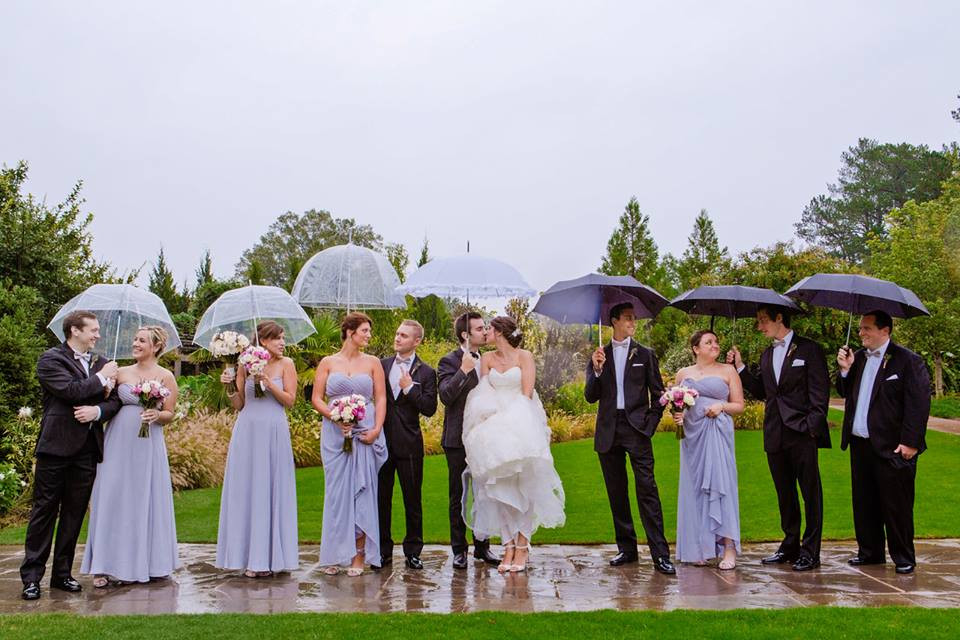 Rainy Bridal Party Pictures