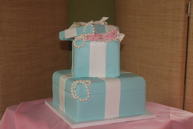Delicious Bakery created a Tiffany Box Themed Baby Shower Cake