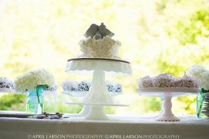 Bird Cake Topper on Single Wedding Cake