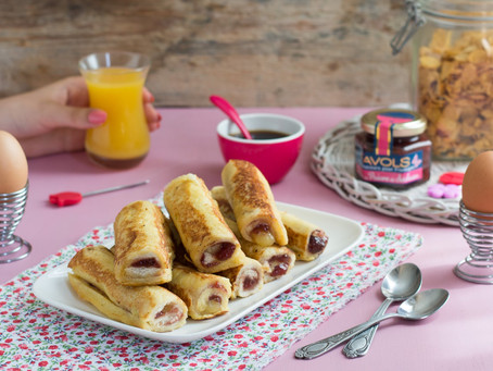 Rolled-up french toasts with comté cheese and black cherry confit
