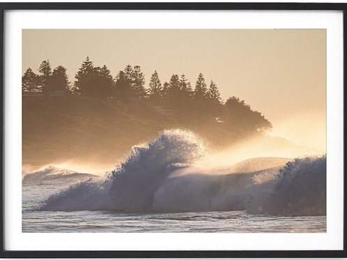 Rolling Waves In The Morning // Shelly Beach