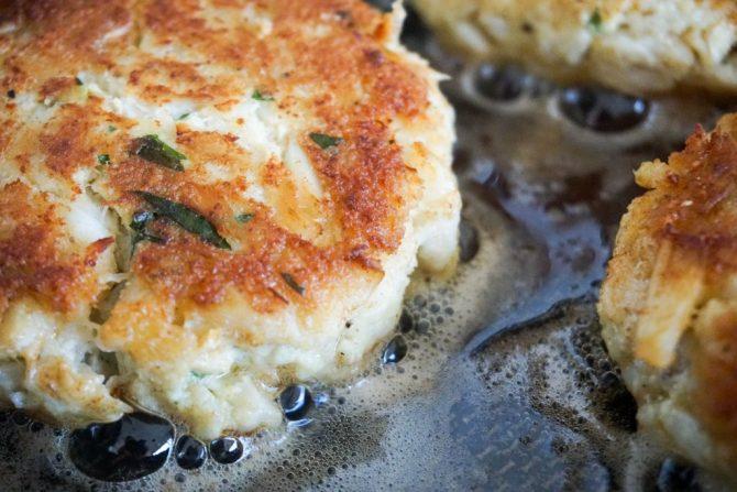 keto-crab-cakes-cooking-closeup-670x447