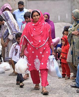 Pakistan%20woman1_edited.jpg