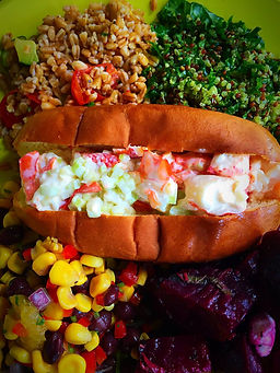 Apiary_Larchmont_Lunch_Lobster Roll.jpg